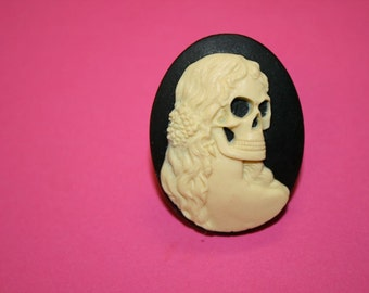 Large Lady MacDeath Cameo Ring