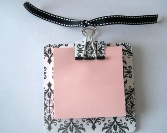 Black and White Damask Post It Note Holder