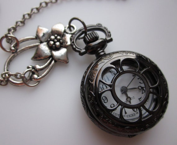 Beautiful Floral Pocket Watch Necklace