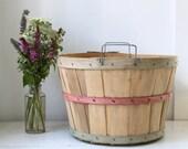 vintage 1960s bushel basket / farm fruit basket / red green / rustic primitive home decor / home and garden / storage / organization.