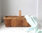 vintage rustic basket. fruit / berry / orchard slat basket with handle. fall harvest home decor / the FRESH ONIONS basket