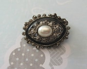 CLEARANCE vintage brooch / pin - small oval with pearl center / silver & black ornate frame orig 7.00