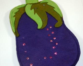 Vintage Decorative  Pot Holder, Felt, Eggplant, Kitchen Wall Decor, Purple and Green, Potholder  (619)
