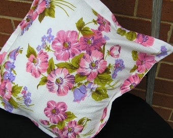 CUSHION COVER  Barkcloth in Pink Flowers 1950  (489)