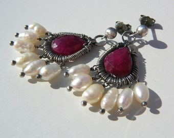 Le Petit Luxe - sterling silver, ruby & freshwater pearls