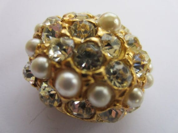 Vintage Buttons - beautiful, 1 large, rhinestones and pearls embellished, gold metal domed design, estate sale button (lot 2244)