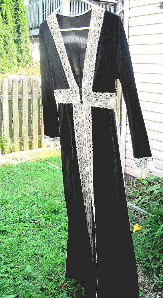 Vintage Black  Robe Nightgown Lingerie - Sheer With Lots of Lace / REDUCED PRICE