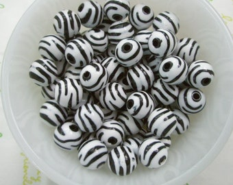 Zebra Print Puffy Round beads 20pcs Black/White 11mm