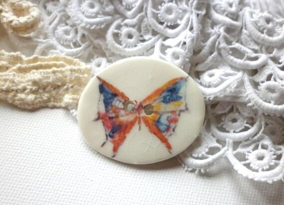 A Handmade Butterfly Design Porcelain Button