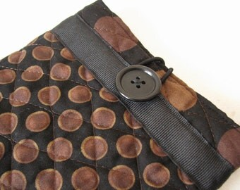 Quilted E reader sleeve Case, Black and Brown Dot