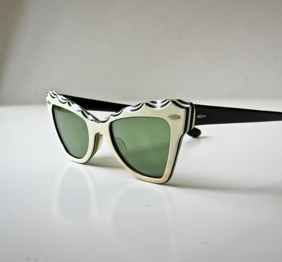 1950's Cat Eye Sunglasses - Mid Century Modern - Ray Ban - Ivory and Black