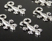 CLEARANCE Gecko Charm 25 Antique Silver Pendant 22mm x 12mm x 2mm, Hole 3.5mm (1049pen22s1)os