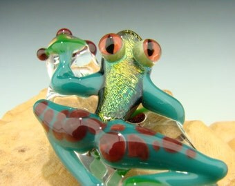 Dichroic Glass  Red Eyed Frog Pendant Amazon color lampwork Boro bead VGW KT (made to order)