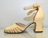 Vintage 1970s Pumps / 70s Vintage Heels / Vanilla Cream Patent Cut-Out Ankle Strap Heels / Size 5.5 / Quali-Craft