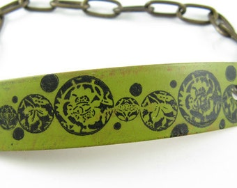 Green painted bracelet with flower and leaf stamped image, Copper Bracelet, Brass Chain