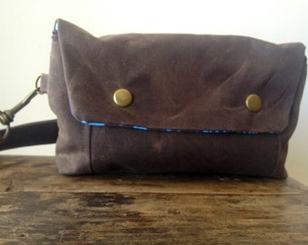 Large Convertible Hip Pouch - Waxed Canvas in Chocolate Brown - Printed Lining