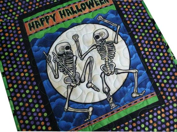 Dancing Skeleton Halloween Wall Quilt