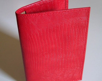 Top-Stub Checkbook Cover - Bright Red Lizard Grain Leather