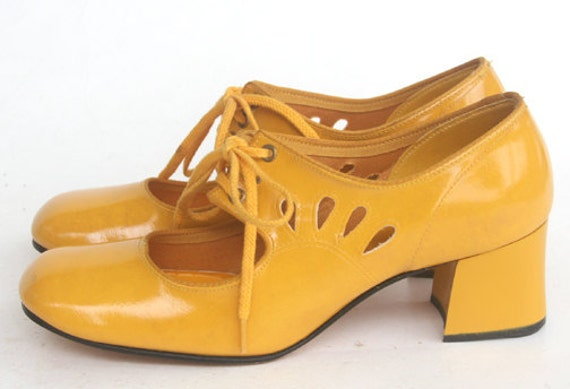 60s Authentic  Vintage YELLOW Mod Mary Jane Shoes - Tear Drop Cut Outs