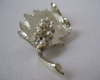 Leaf Pearl Gold Brooch Vintage Pin