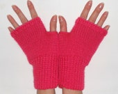 S A L E - Wool blend fingerless gloves in Deep Pink