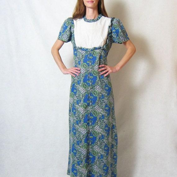 50% OFF // 1970s HAWAIIAN FLORAL eyelet lace maxi dress, s - m
