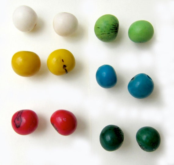 little girls 3 seed bead acai studs