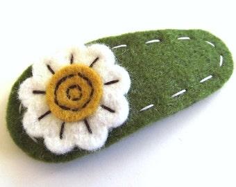 daisy hair clip