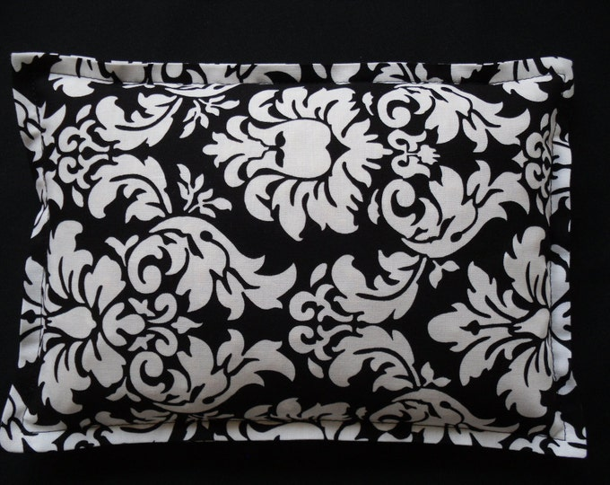 Corn Bag Heating Pad, Microwavable Heat Pack, Ice Pack, Hot Cold Therapy Pillow, Sinus Headache, Arthritis Pain- Black and White Damask