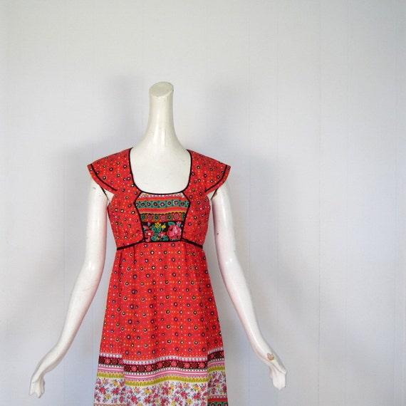 70s Bohemian Dress / Dirndl Dress / 1970s Dress / Folklore Print / XS