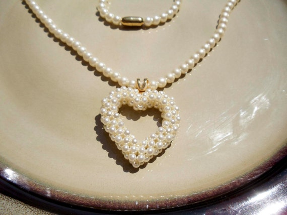 """Vintage Pearl heart necklace 20"""""""