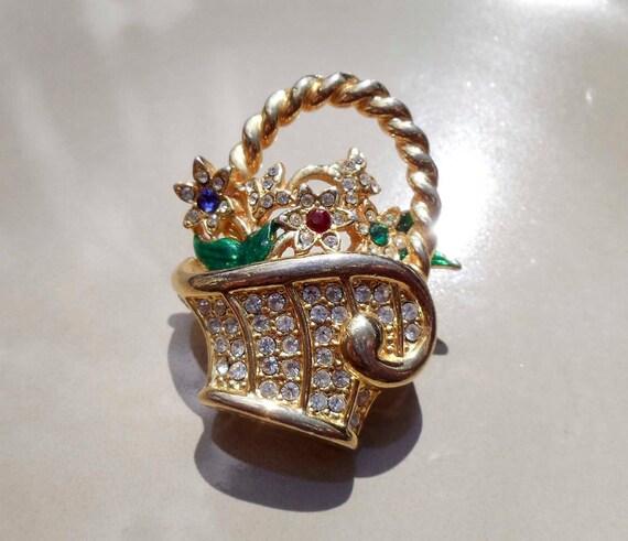 Vintage gold basket of flowers brooch