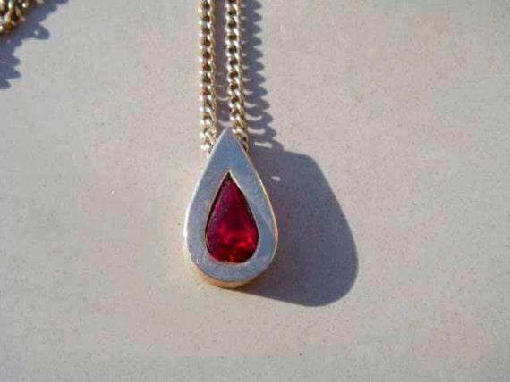 Vintage Avon ruby gold necklace