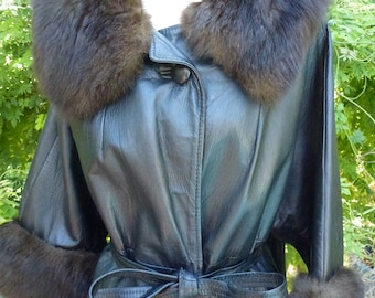 Vintage Leather Coat with Fur Collar and Cuffs Belted
