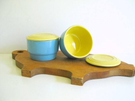 Hall China Refrigerator Dishes / Covered /  Lidded Refrigerator Dish / Vintage / Retro / Turquoise / Yellow Art Deco