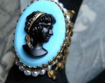 Vintage Blue Cameo Ring with Pearl Detail