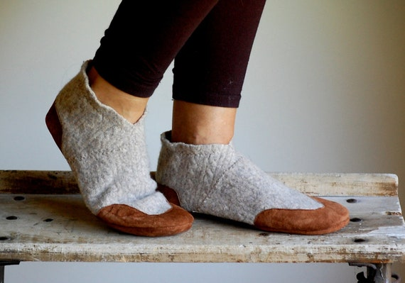 Wool Slipper Shoes, Leather Soles, Recycled, women size 9.5, Quiet, SALE