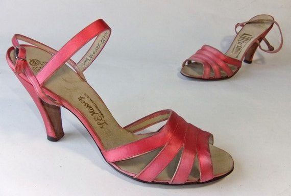 Vintage 1940s Heels //  The Chorus Line Satin Dancing Sandals in Vibrand Pink Size 11.5 N