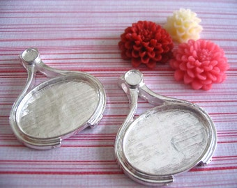 10pk ...Vintage Shiny Silver Oval Pendant Trays with Glass Inserts. Size is 18mm x 25mm