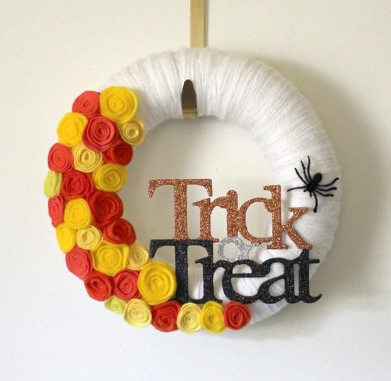 Halloween Wreath, Trick or Treat, Spider Wreath, 12 inch Size