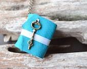 MiniBook Necklace Key & Blue Sea Color leather
