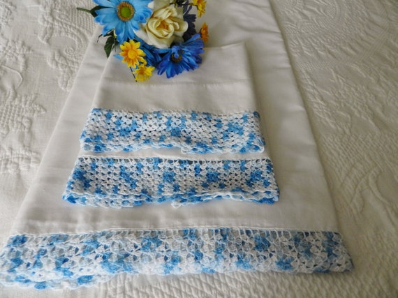 Vintage Crocheted Full Sheet Pillowcase Set