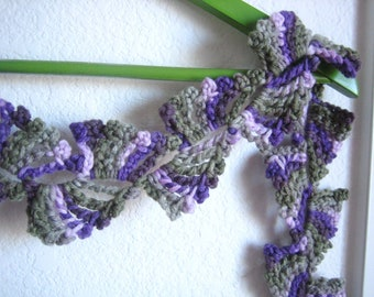Hand crocheted, very good looking scarf, new, variegated