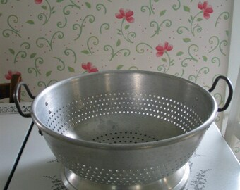 Vintage Commercial Restaurant Colander Wearever  Heavy Aluminum Awesome Useable Kitchen Equipment