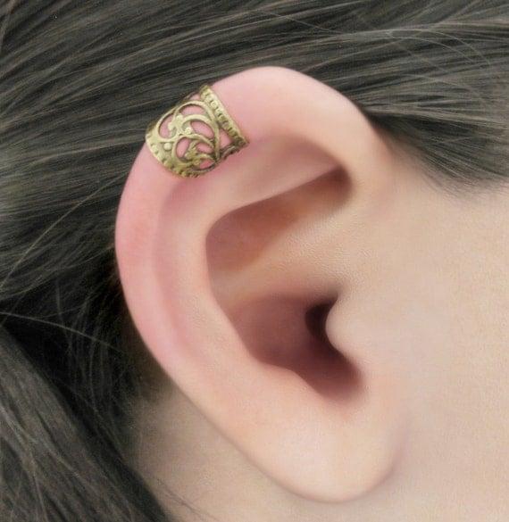Enraptured II - Upper Helix Brass Filigree Ear Cuff