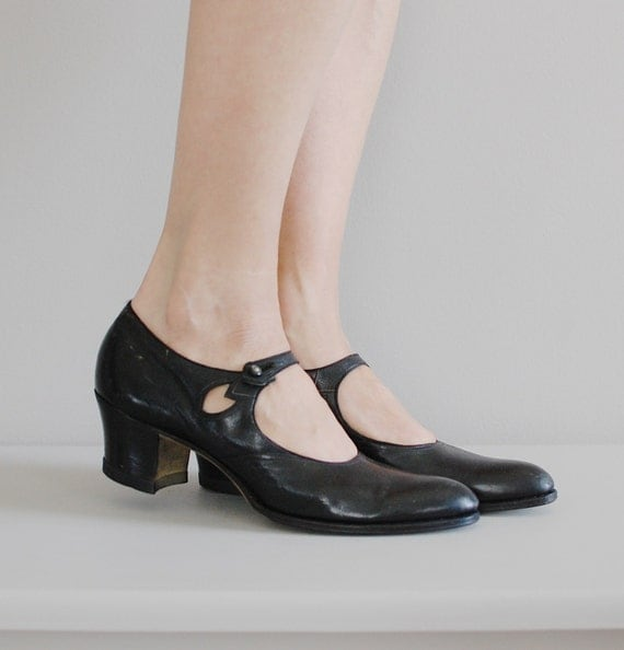 1920s shoes / 20s mary jane shoes / Walk Over janes