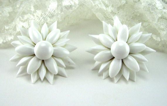 Vintage Earrings Milk Glass Petal Japan