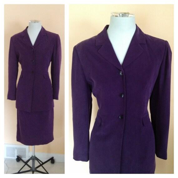 Vintage Eggplant Purple Silk Suit. Size 8P. Larry Levine. Structured Jacket. Long Jacket. Vintage Suit. 1980s. Career. Pencil Skirt.
