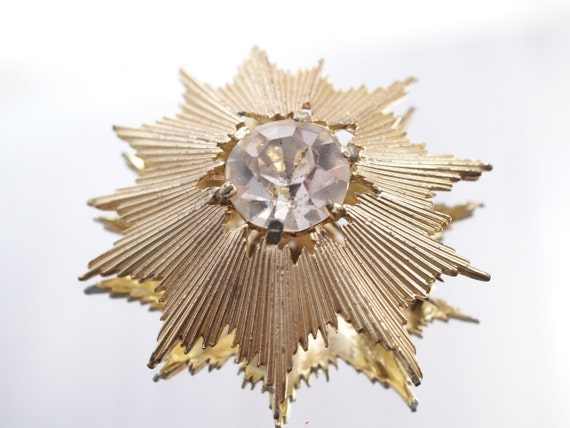 Vintage Starburst Brooch Big Rhinestone Gold Tone Pin Broach Wedding Bridal