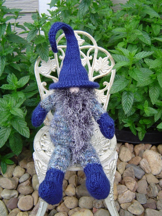 Knitted Gnome Mini